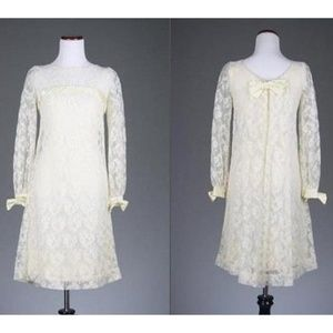 Vintage 60s Satin/Lace Ivory Wedding Gown Mini